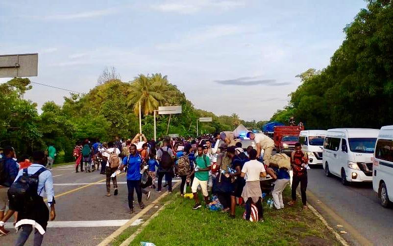 Migrantes que pretendían llegar a EE.UU. retornan a Chiapas, México