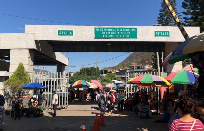 Guatemala tiende cerco sanitario con México, despliega a su Ejército y suspende deportaciones image