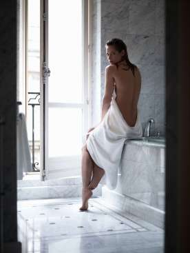 Sienna Guillory 4