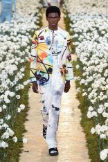 sfilata-off-white-collezione-uomo-primavera-estate-2020-parigi-isi-2857-maxw-800