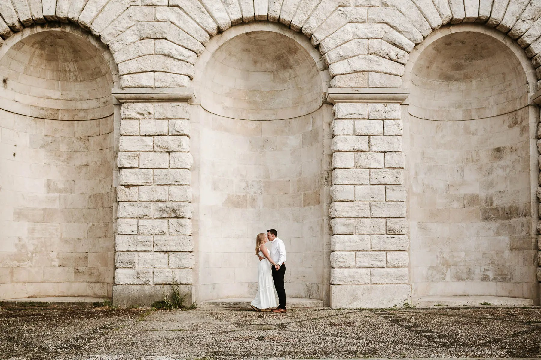 Engagement photo session in Florence