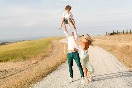 Have fun is one of the most important thing during a family photoshoot. Picture by Alessandro Taddeini.