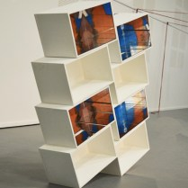 """Tower"", photographies, bois, peinture, miroirs, 2017"