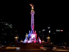 the-angel-of-independence-monument-in-mexico-city-was-also-lit-up-for-paris