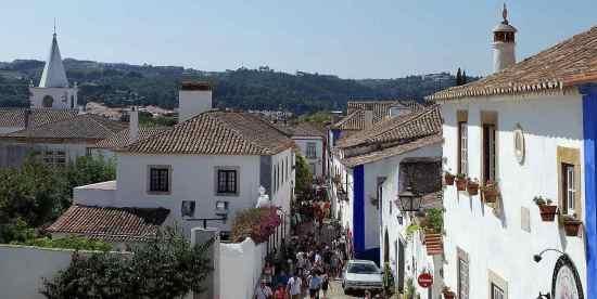 Rua Direita en Óbidos, Portugal