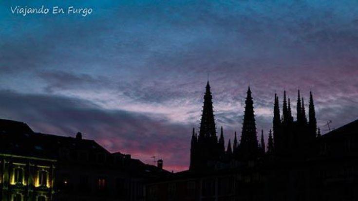 Atardecer en Burgos - Viajando en furgo