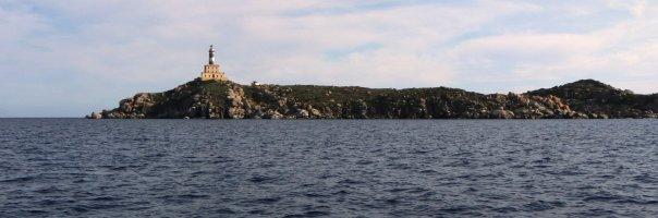 Sardinia-lighthouse-isla-dei-cavolli