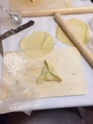 Herstellung typischer kasaner Teigtaschen