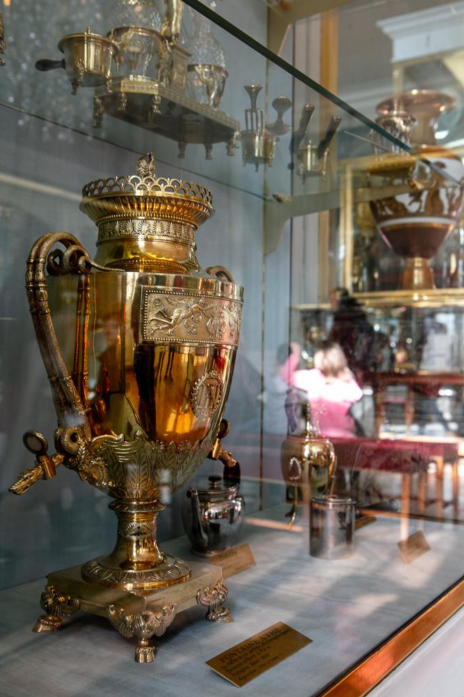 vaiseelle-de-l-empereur-napoleon-collection-d-objet-royaux
