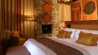 005575-01-bedroom-red-orange | Alexa Blog