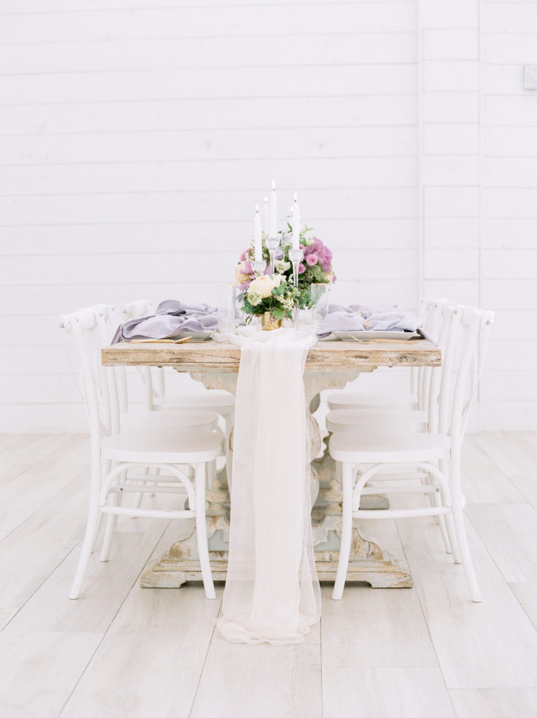 Truly natural wedding styled shoot inspired by spring with simple, girly, and elegant decor planned by Alexa Kay Events. See more spring wedding ideas at alexakayevents.com!