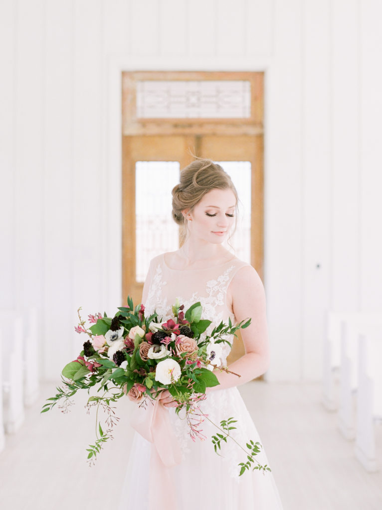 Flowers by Alba Dahlia Floral and Photography by Sami Kathryn – Dallas Wedding Planner | Alexa Kay Events