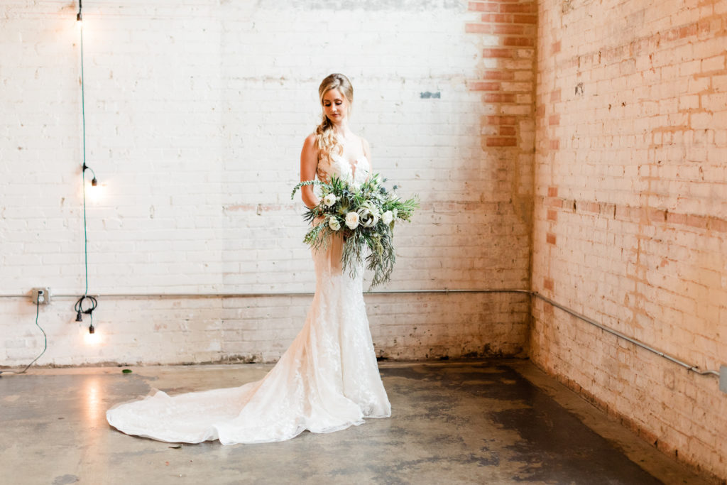 Organic, industrial botanical garden wedding inspiration styled shoot planned by Dallas event planner Alexa Kay Events. See more wedding ideas at alexakayevents.com!