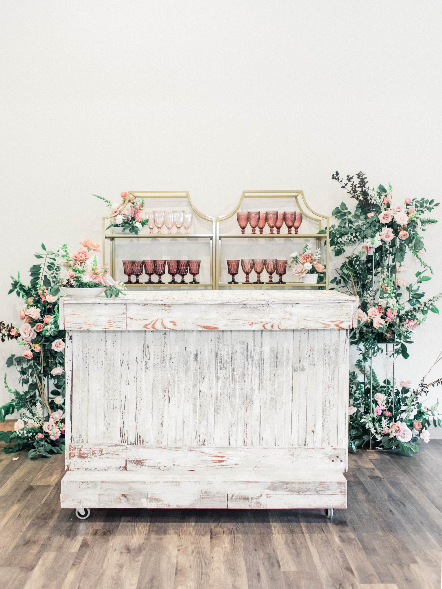Wedding reception decor: Whimsical mauve wedding inspiration on Alexa Kay Events. See more romantic wedding ideas at alexakayevents.com!