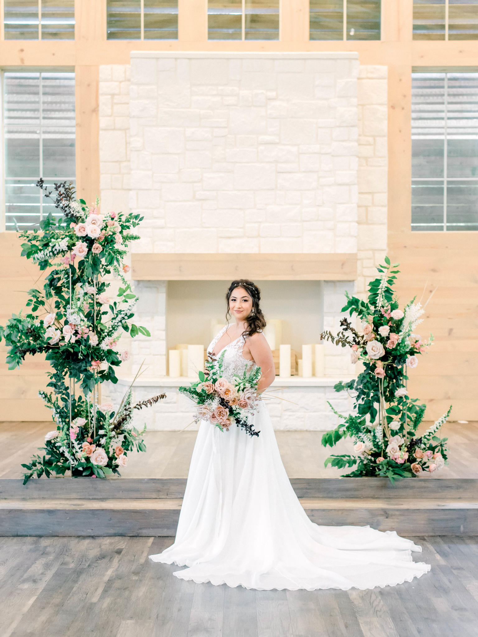 Bridal portrait: Whimsical mauve wedding inspiration on Alexa Kay Events. See more romantic wedding ideas at alexakayevents.com!