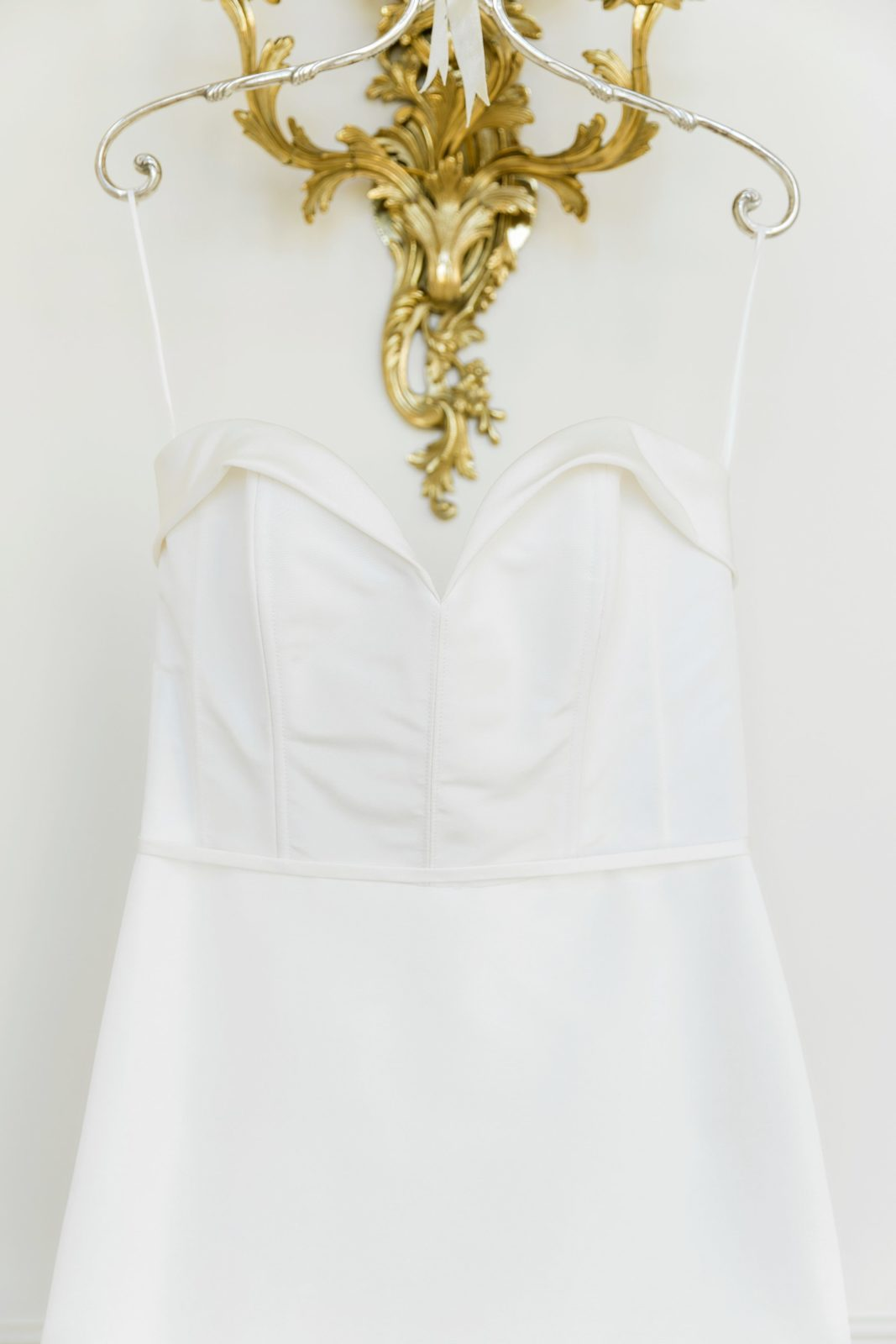 Sweetheart neckline wedding dress: Sophisticated and Chic wedding inspiration on Alexa Kay Events