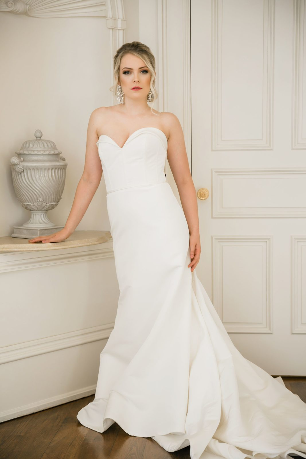 Fit and flare wedding dress: Sophisticated and Chic wedding inspiration on Alexa Kay Events