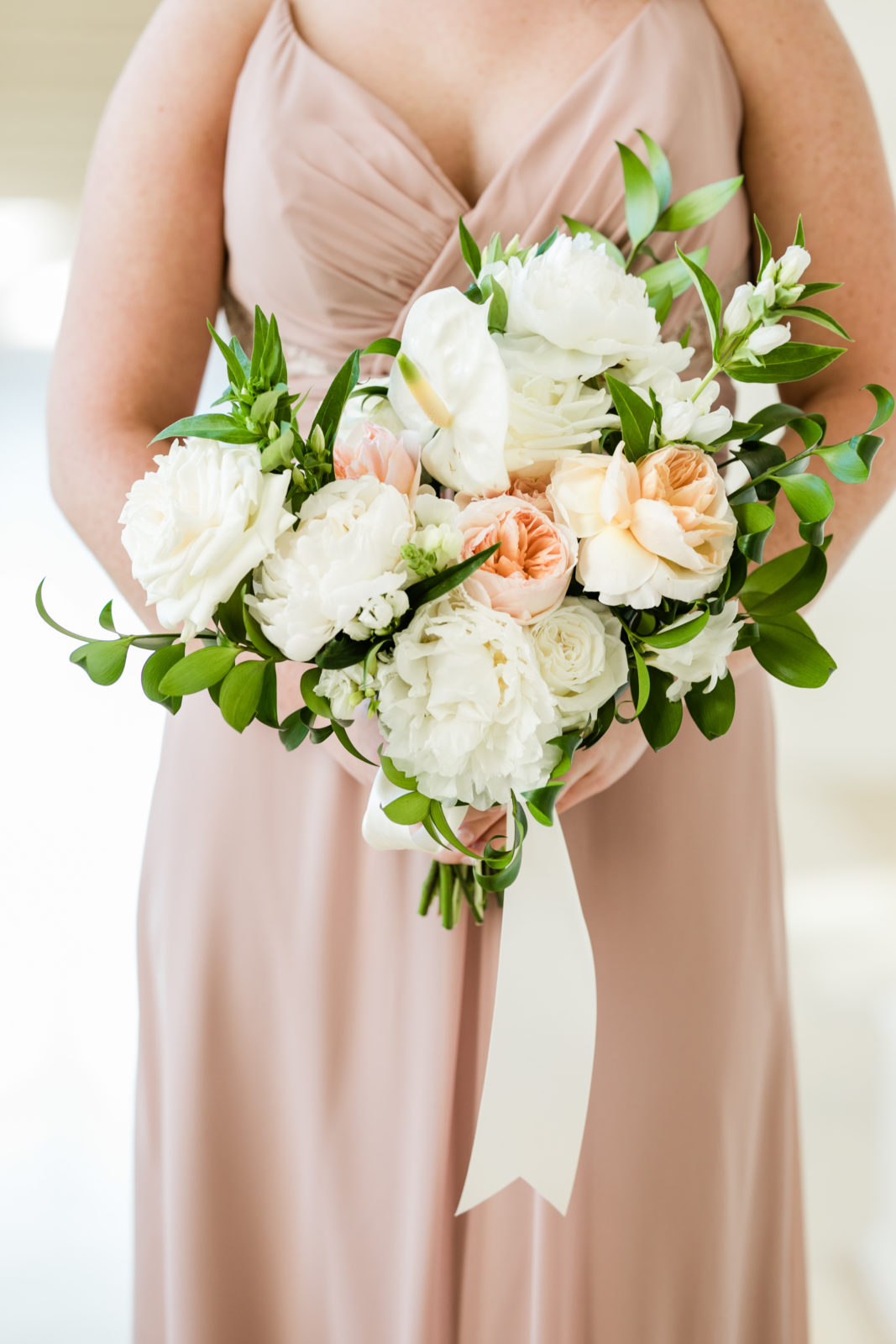 Bridesmaid bouquet: Sophisticated and Chic wedding inspiration on Alexa Kay Events