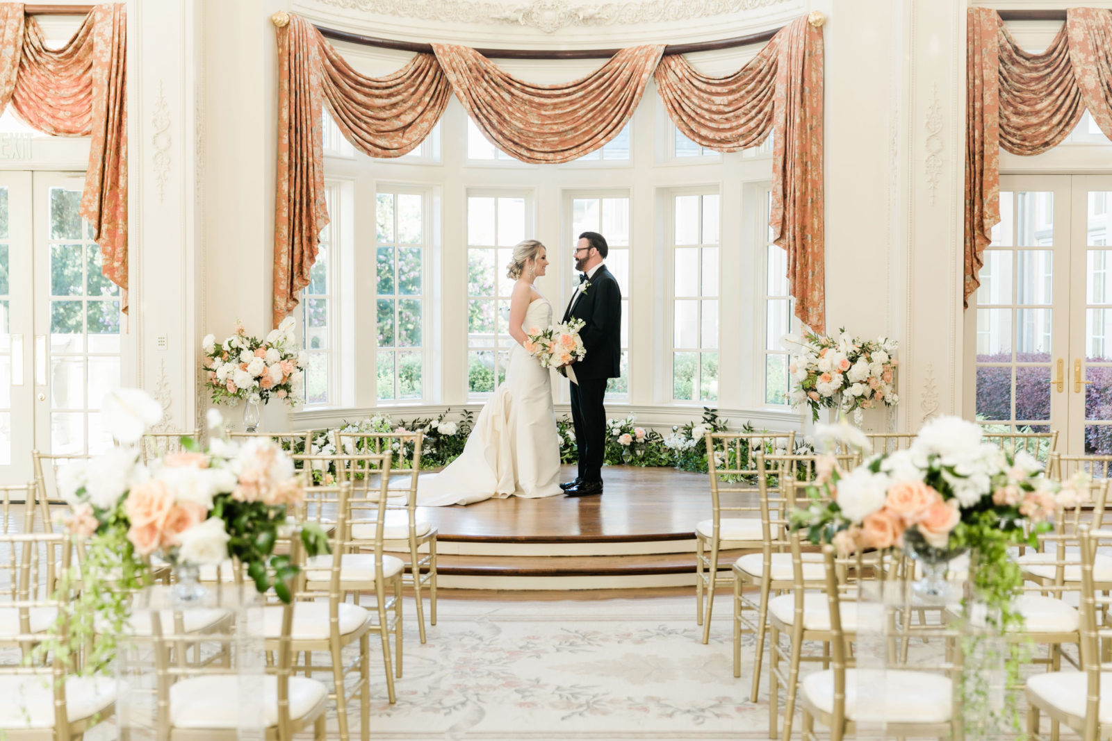 Wedding ceremony decor: Sophisticated and Chic wedding inspiration on Alexa Kay Events