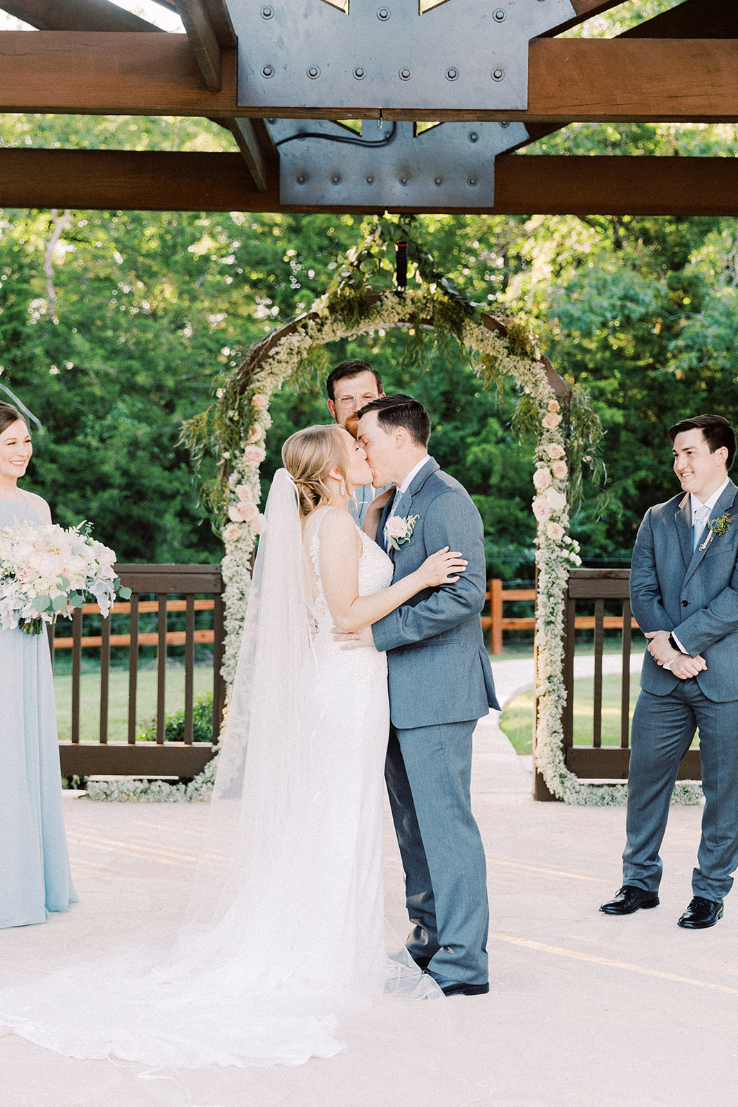 Lockharts wedding photography: | Romantic blue Texas wedding at Spring Venue by Alexa Kay Events