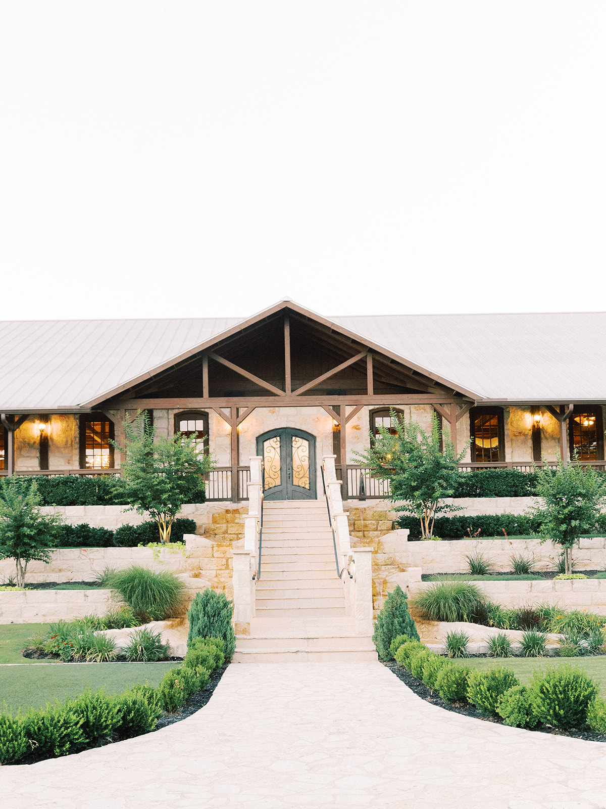Dallas Wedding Venue: | Romantic blue Texas wedding at Spring Venue by Alexa Kay Events