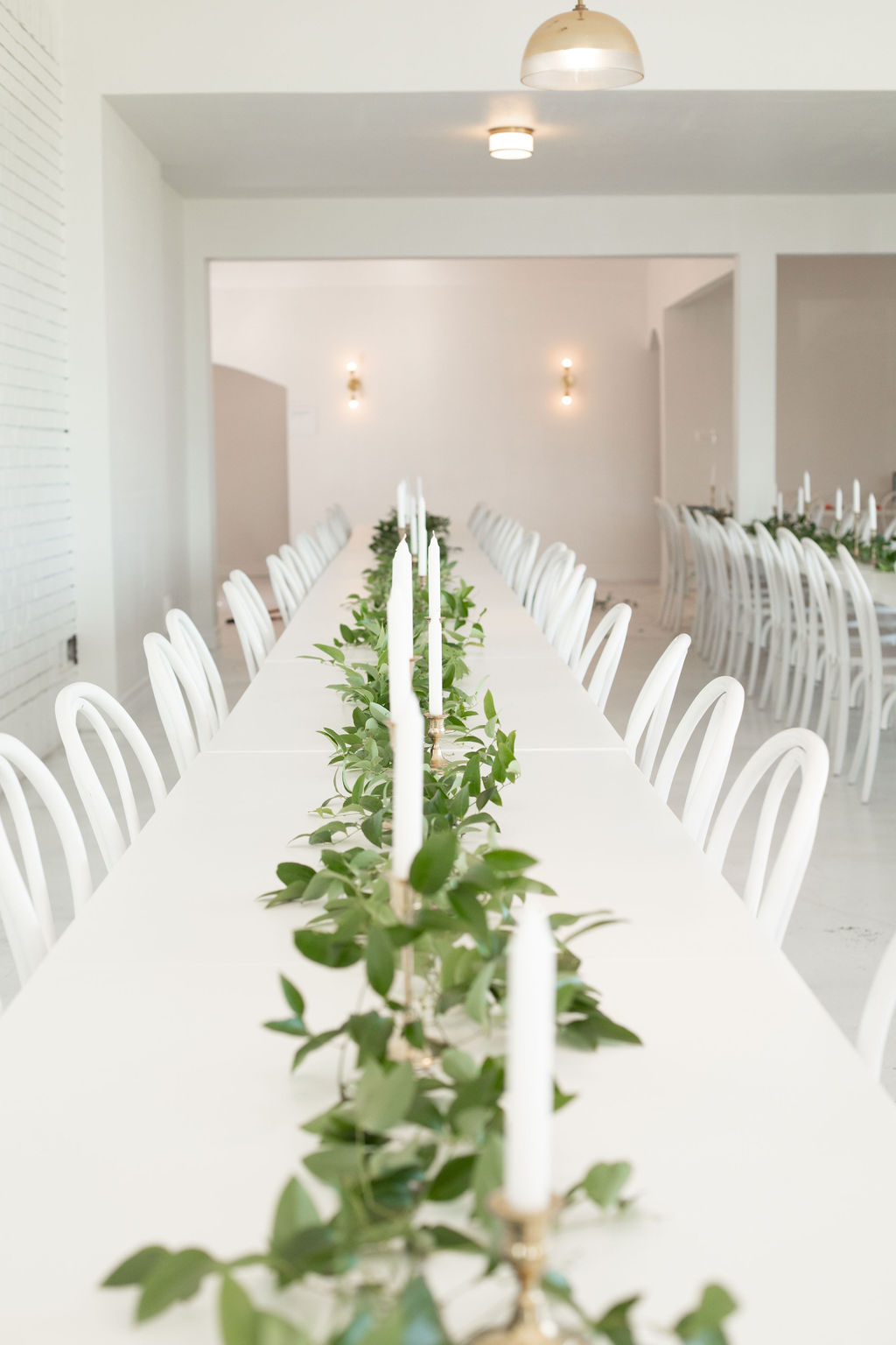 Greenery wedding tablescape: Modern Minimalistic Wedding at The Emerson