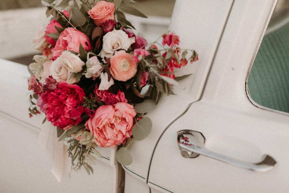 Vintage wedding inspiration: Intimate and Charming Wedding featured on Alexa Kay Events blog