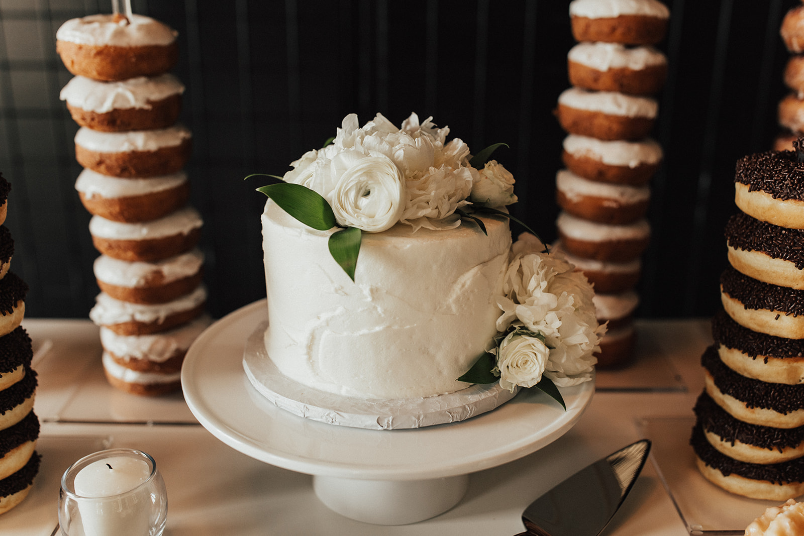 White and Greenery One-Tier Wedding Cake