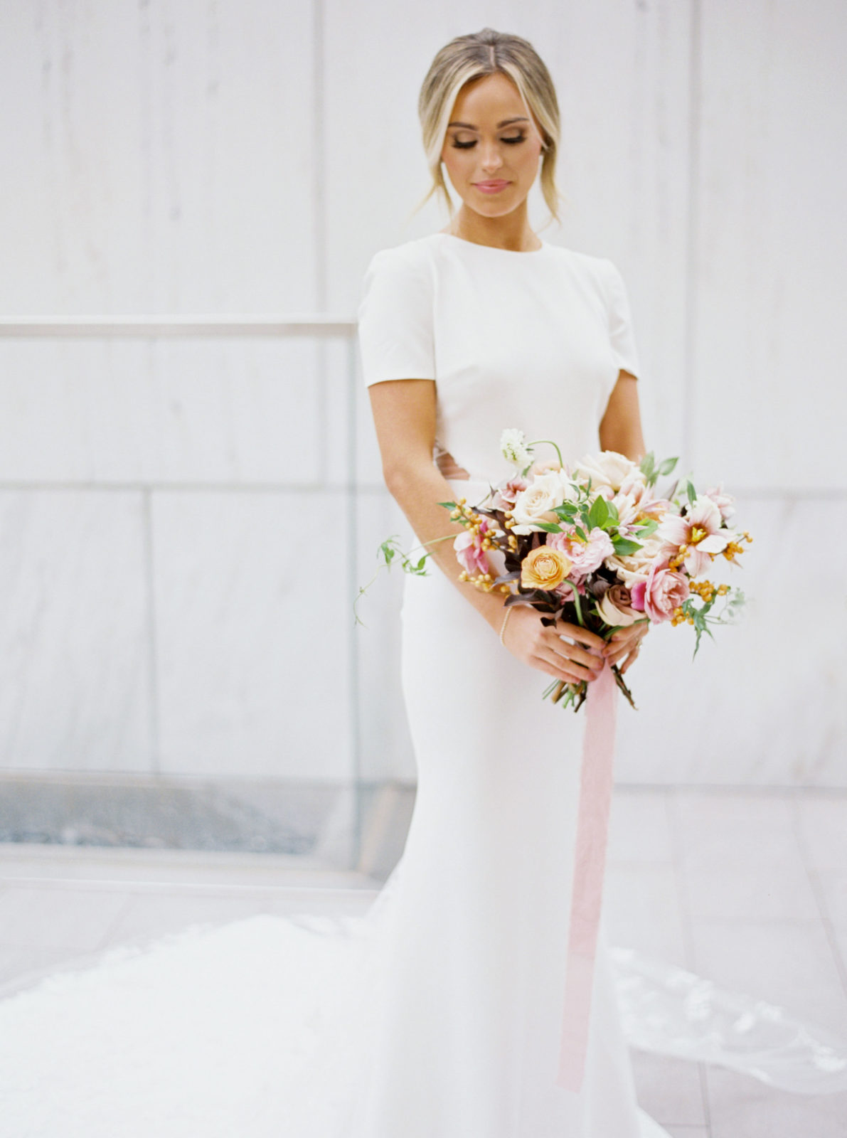 Modern Ethereal Wedding Inspiration at The Joule on Alexa Kay Events