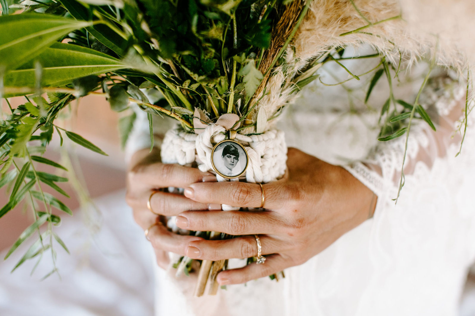 Wedding Bouquet Details: Bohemian Big White Barn Wedding