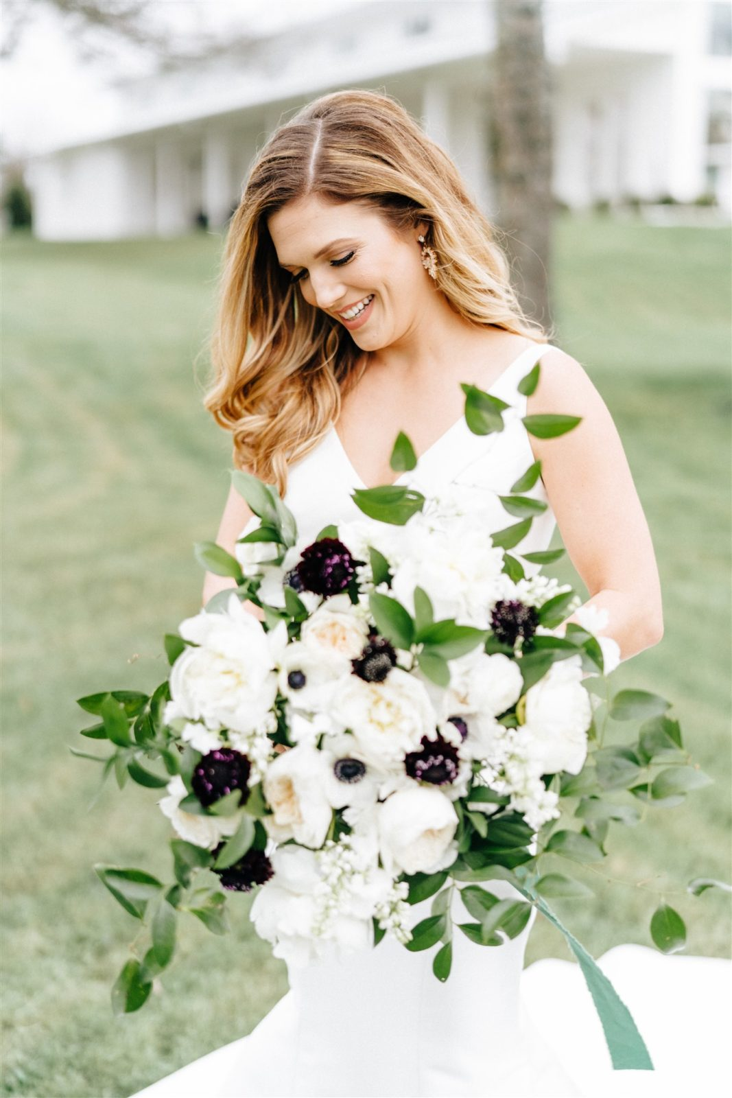 Black and White Wedding Bouquet: Simply Modern Firefly Gardens Wedding featured on Alexa Kay Events