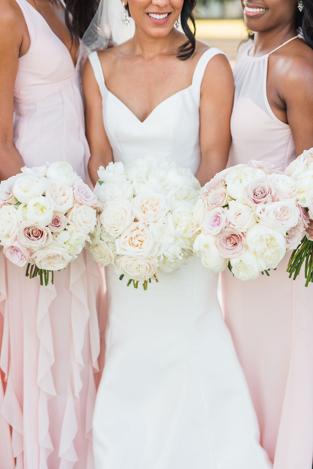 White and pink wedding bouquet inspiration