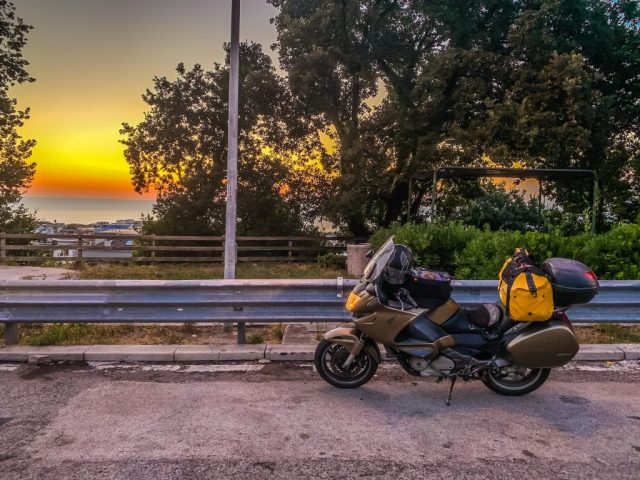 Sonnenaufgang an der Adria-Autobahn auf dem Rückweg. Foto: Alexander Baumbach
