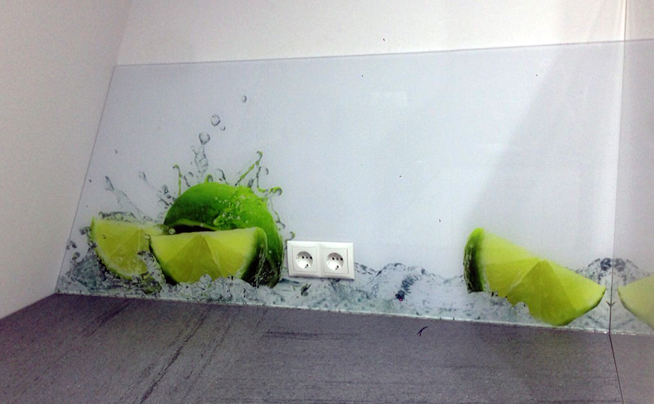 Küchenrückwand Acrylglas Rückseitige Beklebung mit Digitaldruck Alexander Werbetechnik