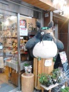仙台のアーケード街のトトロ