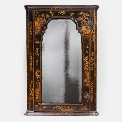 1-Queen-Anne-18th-century-Japanned-chinoiserie-corner-cupboard