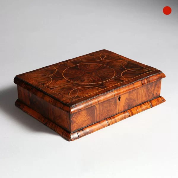 17th Century Olive Oyster Lace Box
