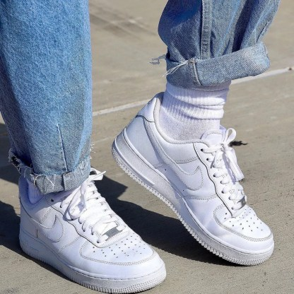 scarpe da donna nike air force 1 '07 pelle bianco sneakers woman 315115-112 indossate