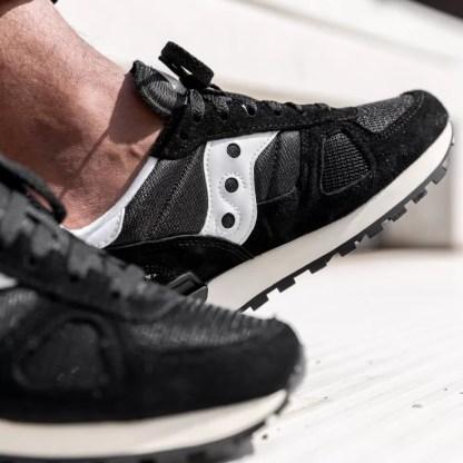Scarpe da Uomo del brand SAUCONY Modello Shadow Vintage tomaia camoscio Nero s70424-2 , scopri tutti i modelli su Alexanderjohn.it