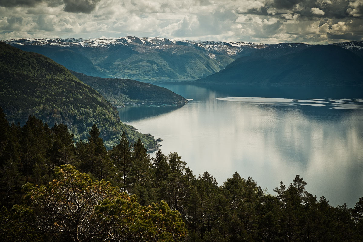 hiking and photography in norway