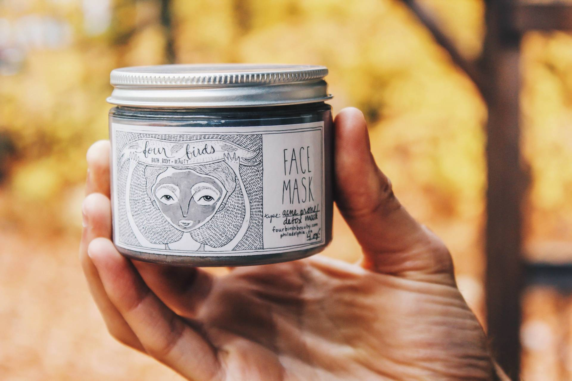 detox mask with woods