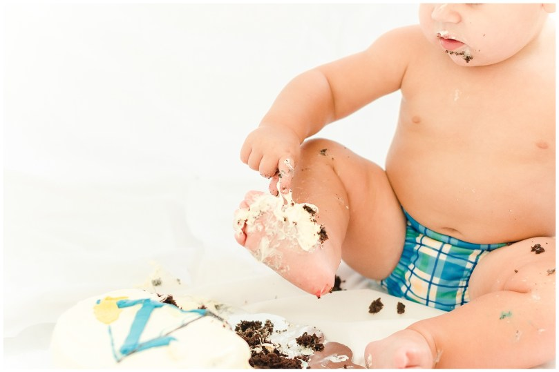 alexandra-michelle-photography-milestone-3-cake-smash-cole-kinsler-31