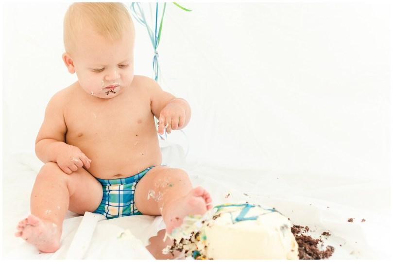 alexandra-michelle-photography-milestone-3-cake-smash-cole-kinsler-35