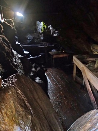 Inside the Russehola cave... creepy