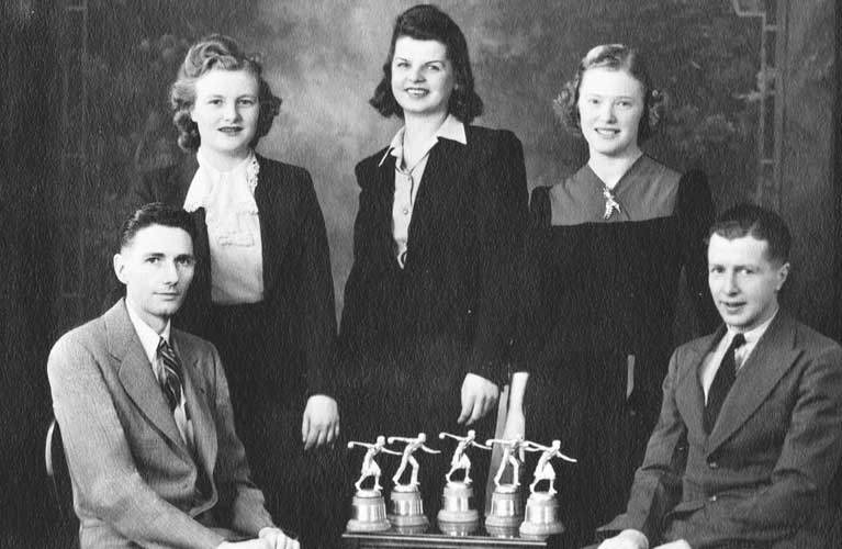 Grandpa Stan (bottom left) with fellow bowling team mates - The Hunt for Golden Treasure | Alex Inspired