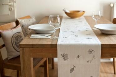 Tischläufer Motiv Arkadien, 100% Leinen, im Siebdruck von Hand gedruckt