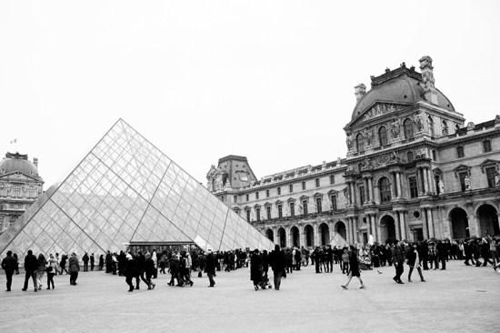Paris - Pyramide du Louvres