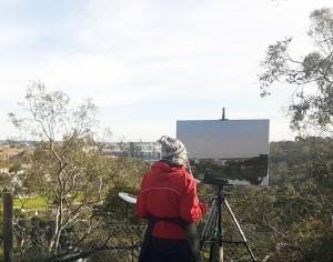 Australian landscape painting Alexandra Sasse at Studley park painting a canvas