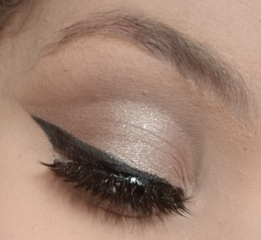 Simple Cut Crease