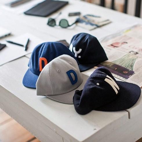 """Die Männermodewoche in Mailand erinnert mich doch gleich an """"Guter Typ"""": Kappen von @timosudmann #gutertyp #dasneuemaennermodebuch #maennermodebuch #sandrasemburg #fashionweekmilan"""